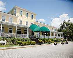 Lakeside Inn Hotel